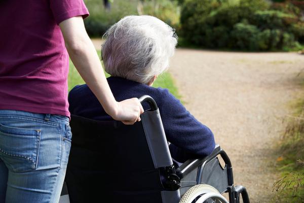 seniori socialni sluzby